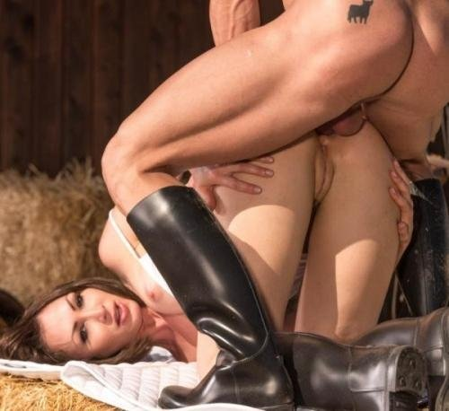 Horse Rider Yasmine Scott Rides a Hung Stallion (Private) [FullHD 1080p] (963 MB)