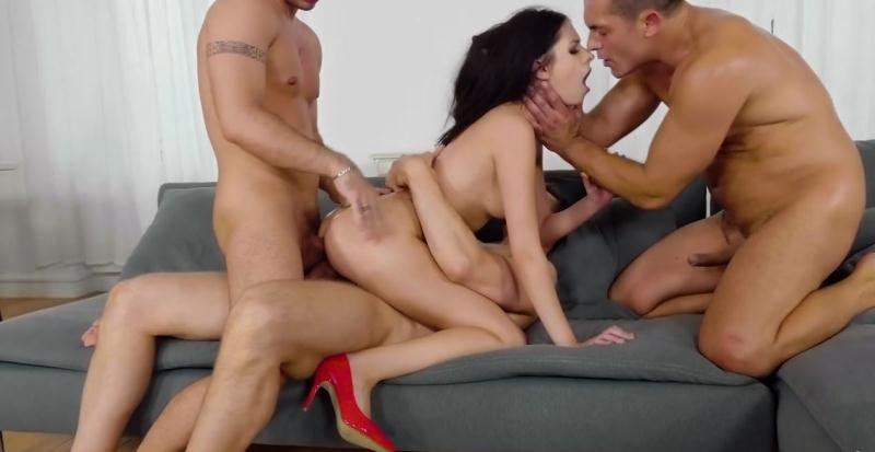 Group Discount (RealityKings.com) [HD 720p] (724 MB) Rebecca Volpetti