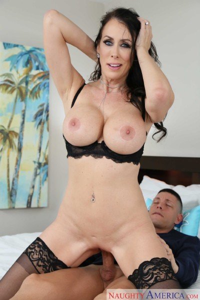 Seduced By A Cougar (Reagan Foxx) [HD] (1GB)