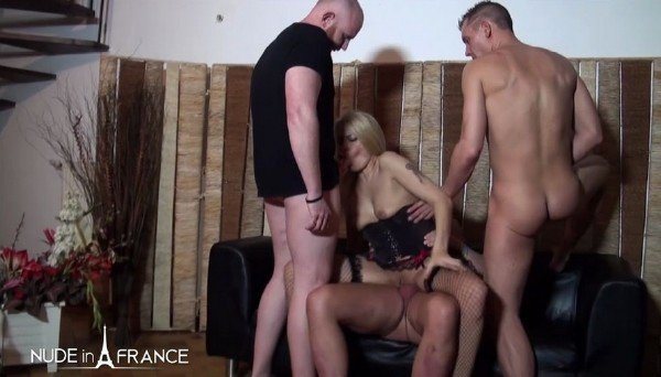 Venus Lova, Savannah - Gorgeous 40 yo Belgian mom gets double vaginal plugged and gangbanged (2018/NudeInFrance.com/HD)
