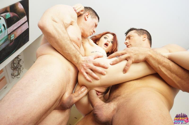 Lola Fae - Tiny Spinner Double Stuffed By Two Big Cocks! ( 2019/AnalOverdose.com/SD)