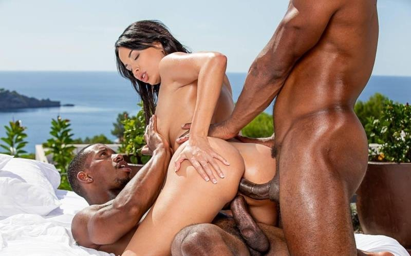 Anissa Kate - Irresistible! ( 2021/Blacked.com/SD)